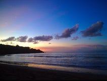 Ciel bleu de coucher du soleil nuageux de vue de mer d'océan Photos libres de droits