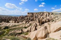 Ciel bleu de manière dans la partie II de Cappadocia photo libre de droits