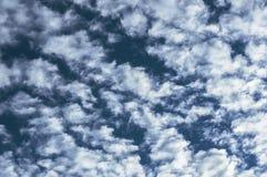 ciel bleu de nuage de plan rapproché Image stock