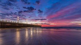Ciel bleu de pilier de coucher du soleil de lever de soleil de paysage urbain de Durban Photo stock