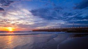 Ciel bleu de pilier de coucher du soleil de lever de soleil de paysage urbain de Durban Photos stock