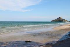 ciel bleu de plage images libres de droits
