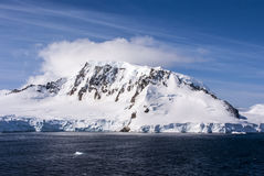 Ciel bleu en Antarctique Images libres de droits