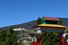 ciel bleu et contexte de monastère Photo libre de droits