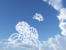 Ciel bleu et guindineau blanc Photo stock