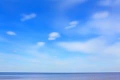 Ciel bleu et mer Photos stock