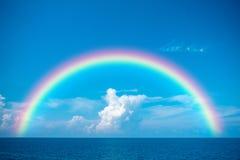 Ciel bleu et mer bleue Photographie stock