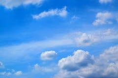 Ciel bleu et nature 171015 0059 de nuages de blanc Images stock