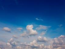Ciel bleu et nuage Image stock
