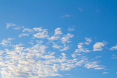 Ciel bleu et nuages Image stock