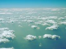 Ciel bleu et nuages Vue d'avion Photos stock