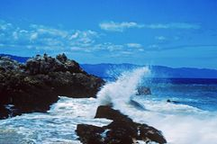 Ciel bleu et ondes chez Puerto Vallarta Photo stock