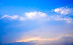 Ciel bleu le temps de matin Photographie stock