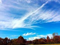 Ciel bleu lumineux Photographie stock