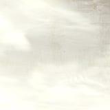 Ciel bleu, nuages et fond clair du soleil Photographie stock libre de droits