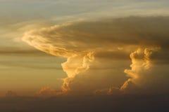 Ciel coloré au coucher du soleil Image libre de droits