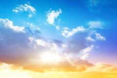 Ciel coloré et lever de soleil Photographie stock libre de droits