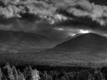 Ciel déprimé de montagne Photographie stock libre de droits