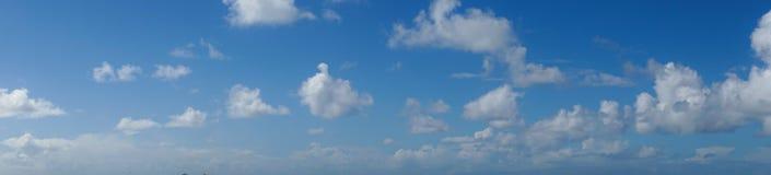 Ciel dans l'extrémité de terres, San Francisco Images libres de droits