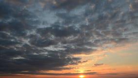 Ciel de coucher du soleil banque de vidéos