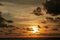 Ciel de coucher du soleil de la Thaïlande Photographie stock