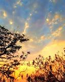 ciel de coucher du soleil des collines de chamundi Image libre de droits
