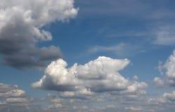 Ciel de fond de nuage Image libre de droits