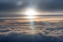 Ciel de lever de soleil vu de l'avion Photo libre de droits