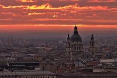 Ciel de matin de Budapest sur l'incendie Photographie stock