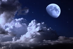 Ciel de nuit avec la lune Photographie stock libre de droits