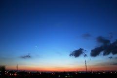 Ciel de nuit clair après coucher du soleil Images stock