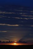 Ciel de soirée avec le coucher du soleil Image libre de droits