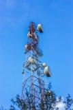 Ciel de tour de télécommunication Photographie stock libre de droits