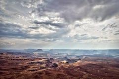 Ciel dramatique au-dessus de parc national de Canyonlands, Utah Photo libre de droits