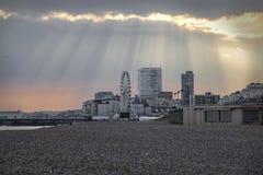Ciel dramatique d'été BRITANNIQUE de Brighton East Sussex photos libres de droits