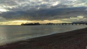 Ciel du R-U de bord de mer de jetée de Brighton images libres de droits
