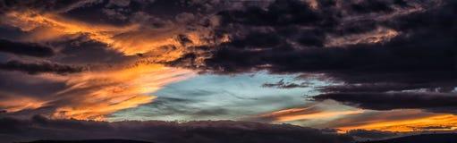 Ciel en flammes Photographie stock