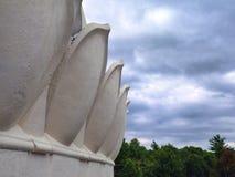 Ciel et bord de bâtiment Images libres de droits
