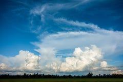 Ciel et nuage Photo stock