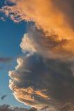 Ciel et nuages au coucher du soleil Photographie stock libre de droits