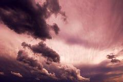 Ciel et nuages déprimés Image stock