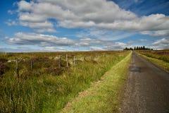 Ciel et nuages sur les collines Image libre de droits