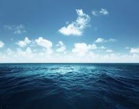 Ciel et océan parfaits images libres de droits