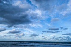 Ciel et plage Photographie stock