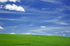 Ciel et prairie photos stock