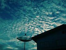 Ciel et satellite Image libre de droits