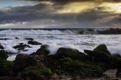 Ciel et vagues de l'océan Storm photographie stock libre de droits
