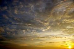 Ciel gentil de coucher du soleil photos stock