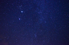 Ciel nocturne avec des étoiles Images libres de droits
