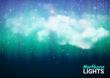 Ciel nocturne fabuleux magique avec des nuages et le nord coloré réaliste Image libre de droits